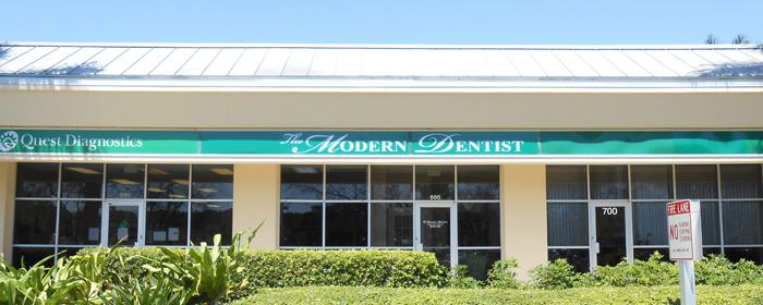 Contact our Naples Dentists